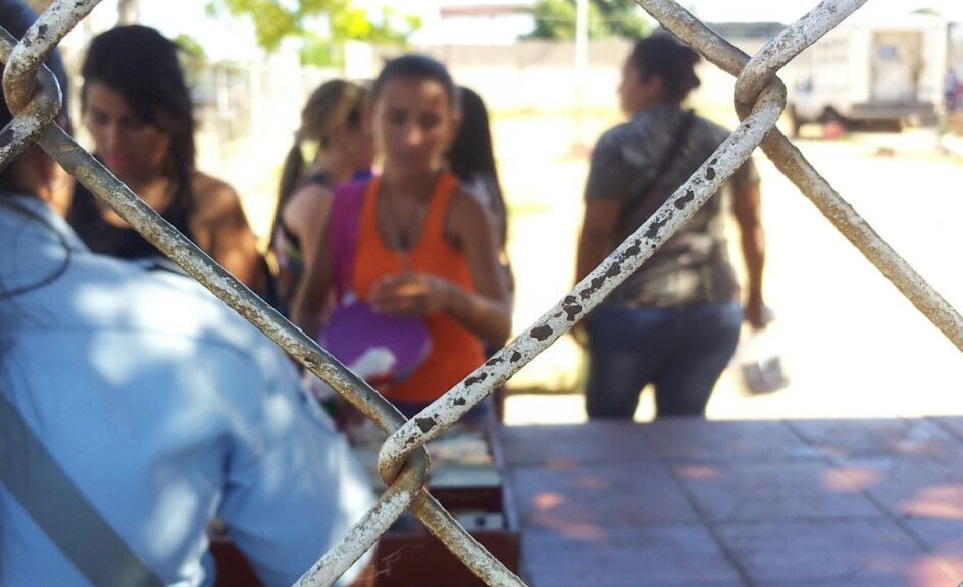 Derechos vulnerados a mujeres privadas de libertad en centros de detención preventiva