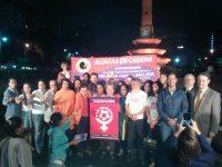 El Obelisco de la Plaza Francia de Altamira se iluminó de Naranja