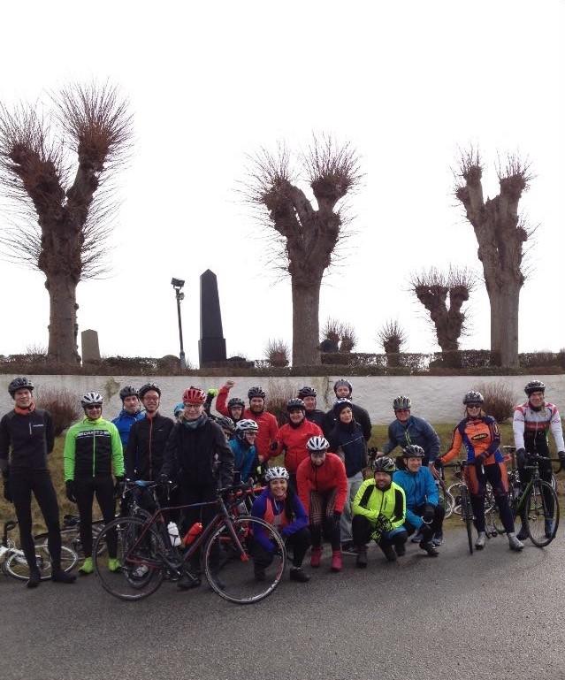 Gruppbild cyklister introduktionsträning