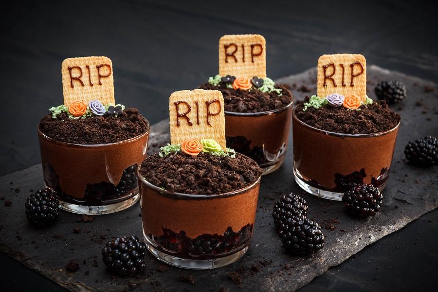 Berry Scary Halloween Eyeballs: Kids Treats