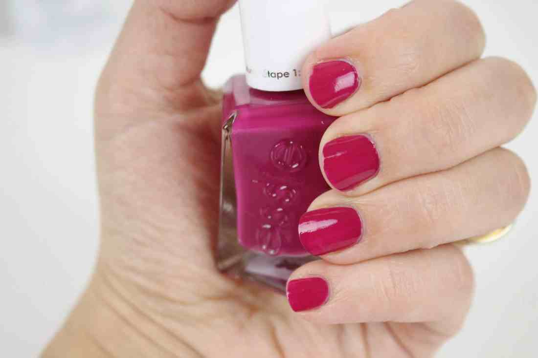 Essie Enchanted Gel Couture Collection for Spring 2018 in 304 viplease