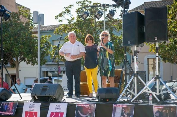 Fermí Santamaria (alcalde de Llagostera), Montse Vila (presidenta Can Toni de les Eugues), Carme Arenas (presidenta PEN Català). Inauguració Fira del Llibre Prohibit