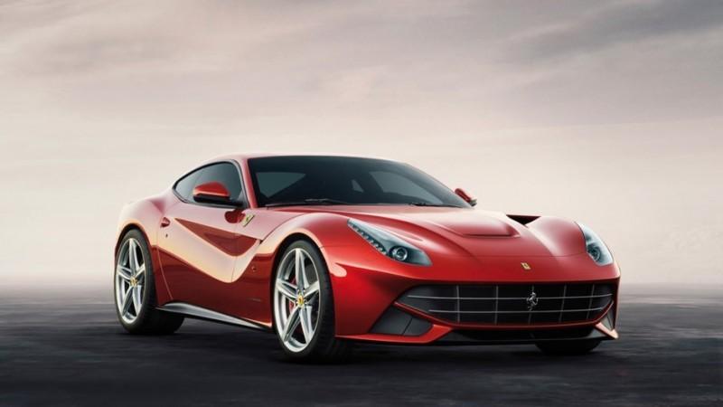 O fundador e CEO do Snapchat, Evan Spiegel, comprou em julho passado uma Ferrari para completar sua coleção de carros de luxo. Os modelos da marca custam a partir de US$ 188 mil