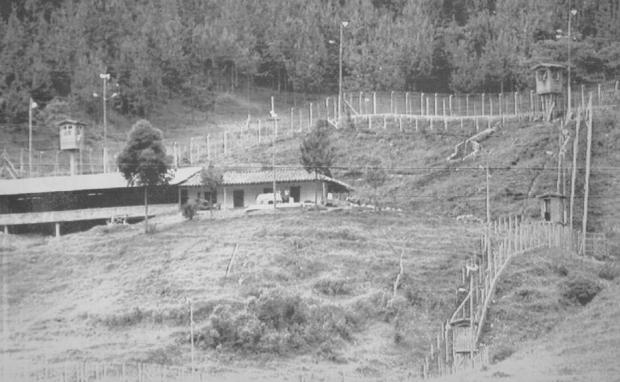 Prisão construída pelo traficante Pablo Escobar. Uma de suas condições para se render foi montar seu próprio presídio.