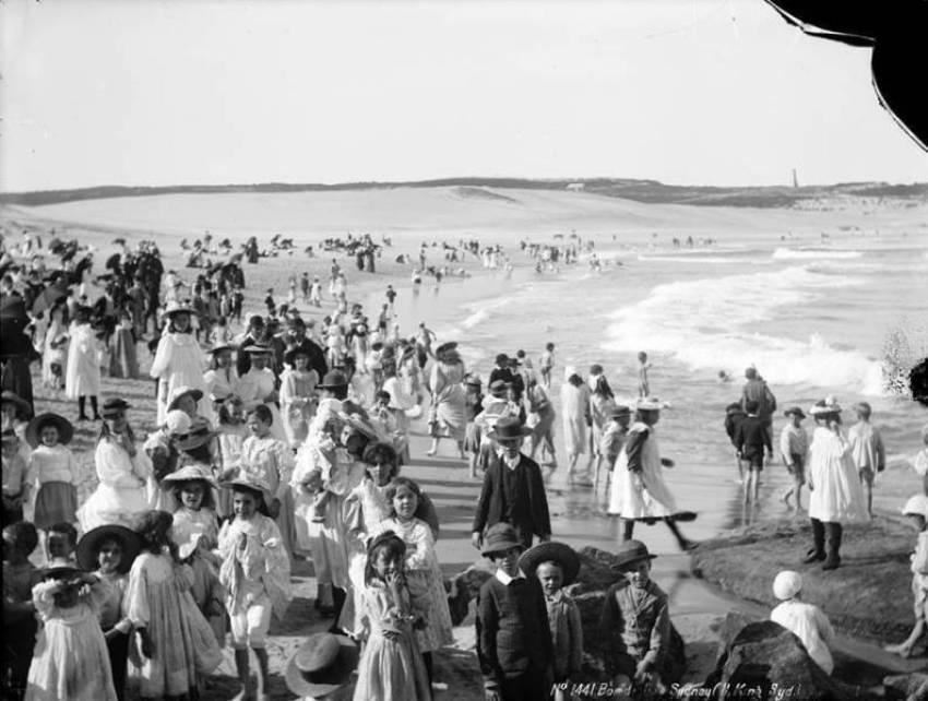 03. Uma praia da Austrália, 1900.