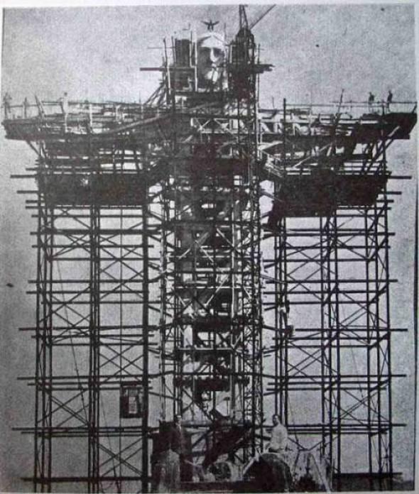 15. Construção do Cristo Redentor Brasil.
