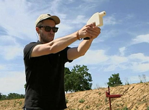 Primeira pistola feita em impressora 3D. Apenas o mecanismo não foi impresso