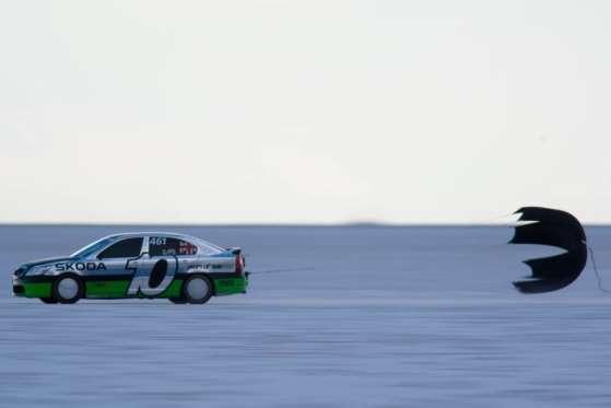 Em agosto de 2011, um Skoda Octavia vRS se tornou o 2.0 mais veloz do mundo alcançando 434 km/h na planície salgada de Utah