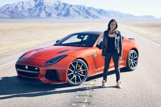 A atriz Michelle Rodriguez acelerou um Jaguar F-Type SVR a mais de 320 km/h no deserto de Nevada em março de 2016, quebrando o recorde de velocidade em um Jaguar