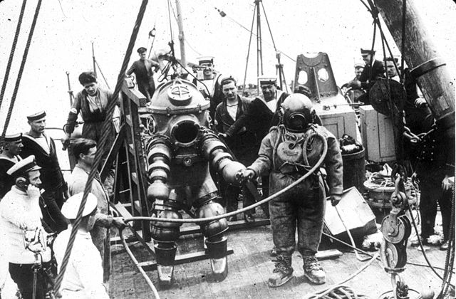 armored dive suit 1935
