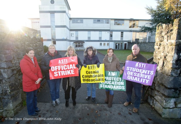Colaiste Muire teachers on the picket as part of the Secondary teachers One day strike. Photograph by John Kelly.