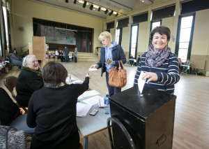 260216 Maura Corley casting her vote at The Holy Family Polling Station Ennis this morning.Pic Arthur Ellis.