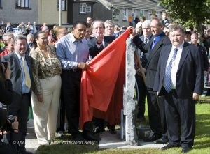 Muhammad Ali unveils a memorial stone in Ennis at Turnpike road, his ancestral home. Photograph by John Kelly.