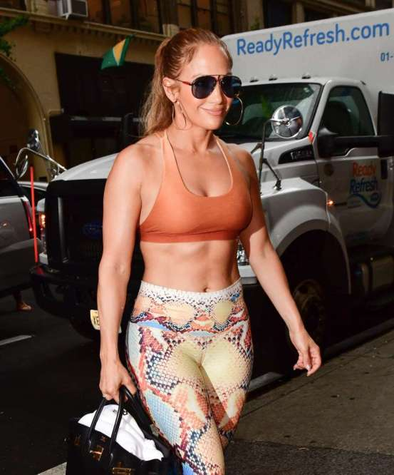 Jennifer Lopez abs and fitness photos