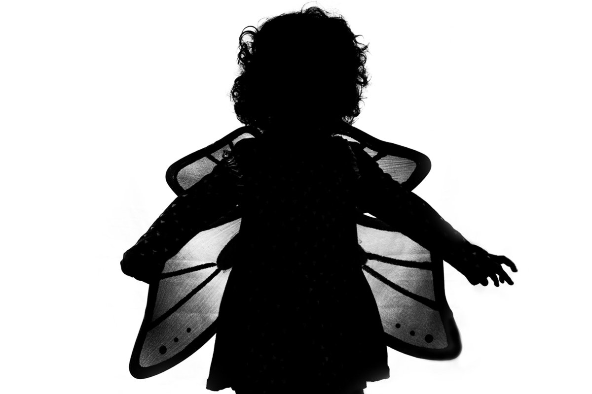 Create fun silhouette portraits with your kids