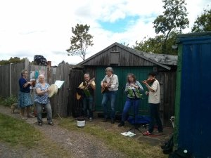 Greenshoots Ceilidh Orchestra at the Queens Road Allotments, ArtBeat 2015