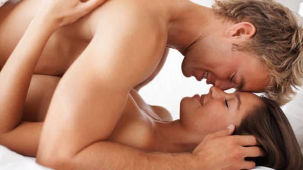 La principal diferencia con la lubricación es que la eyaculación femenina aparece durante el orgasmo.