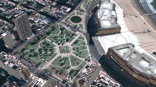 ESCENARIO. La Plaza Colón, de Mar del Plata, lugar de la largada. (Google Earth)