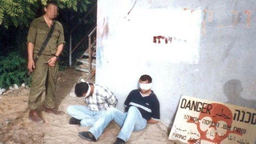 HUMILLADOS. Las nuevas imágenes fueron difundidas por una ong de ex veteranos israelíes.