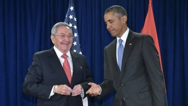Obama y Raúl Castro se reunen en la ONU. (AFP)