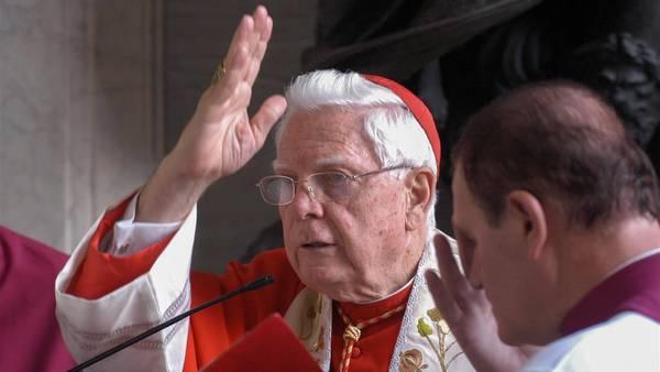 Protagonista del escándalo. El poderoso cardenal Bernard Law era arzobispo de Boston cuando estalló el caso. /Víctor Sokolowicz