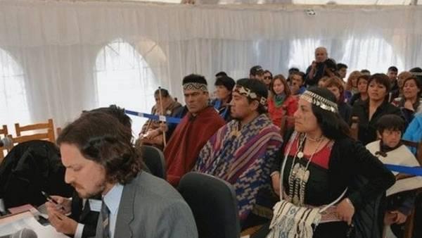 Tres mapuches en el banquillo, en Neuquén. Por primera vez en América Latina, los juzga un jurado donde también hay seis mapuches.