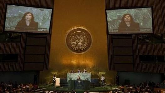 La presidenta Cristina Fernández habla en la Asamblea de la ONU. (AFP)