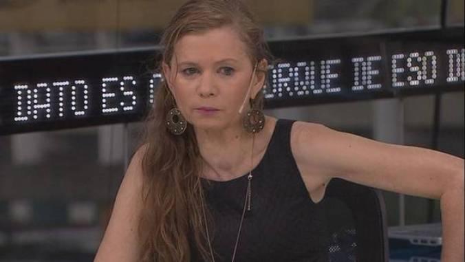 Hostigada. La periodista Teresita Dussart recurrió a su embajada.