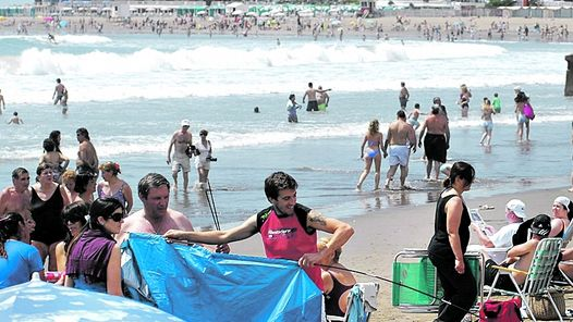 Mar del Plata, con sol de verano