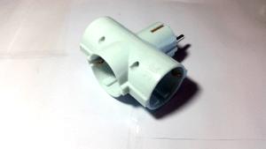 Three-way plug