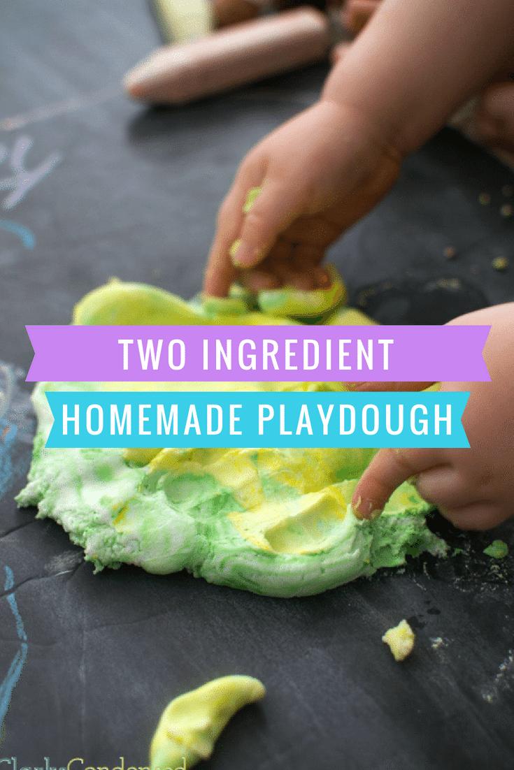 homemade playdough / playdough recipes / how to make playdough / playdough with cornstarch / soft playdough / toddler  via @clarkscondensed