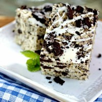 Cookies and Cream Krispie Treats