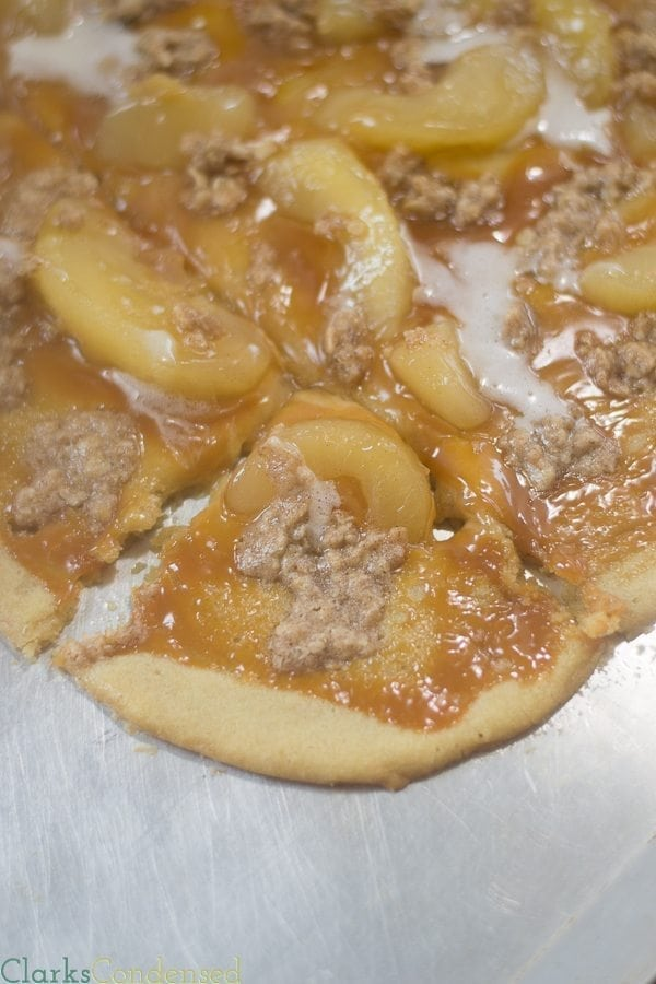 caramel-apple-cookie-pizza (8 of 9)