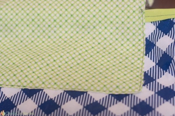 easy-reversible-picnic-blanket-tutorial (10 of 13)
