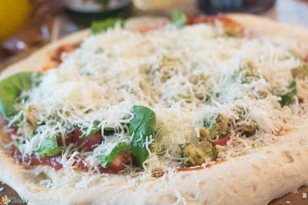 Easy Chicken Pesto Pizza Recipe