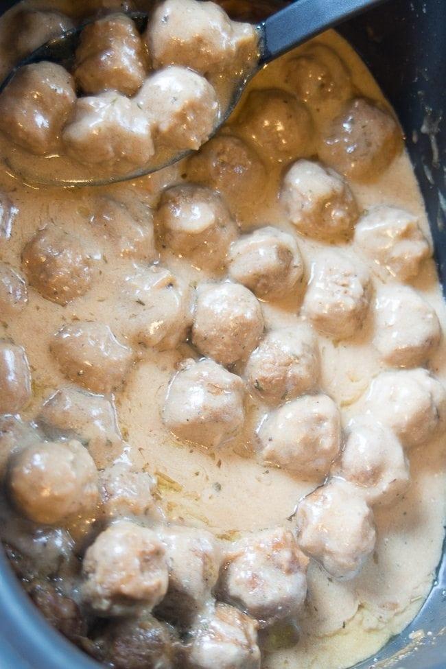 creamy-slow-cooker-meatballs (7 of 11)