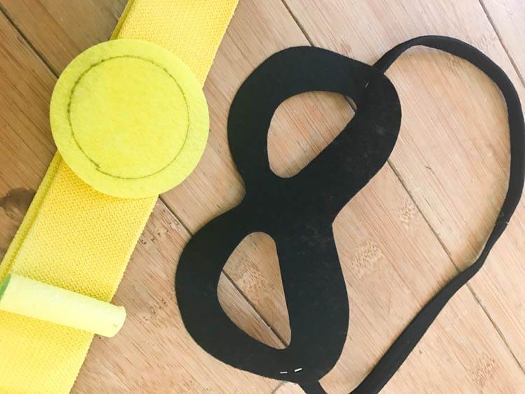 Robin mask and utility belt