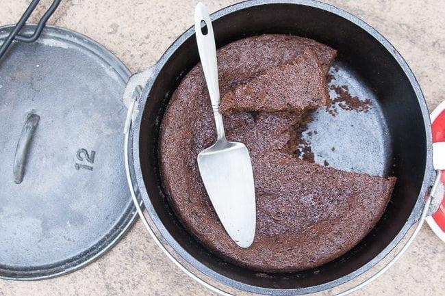 Dutch Oven Chocolate Cake / Dutch Oven Recipes