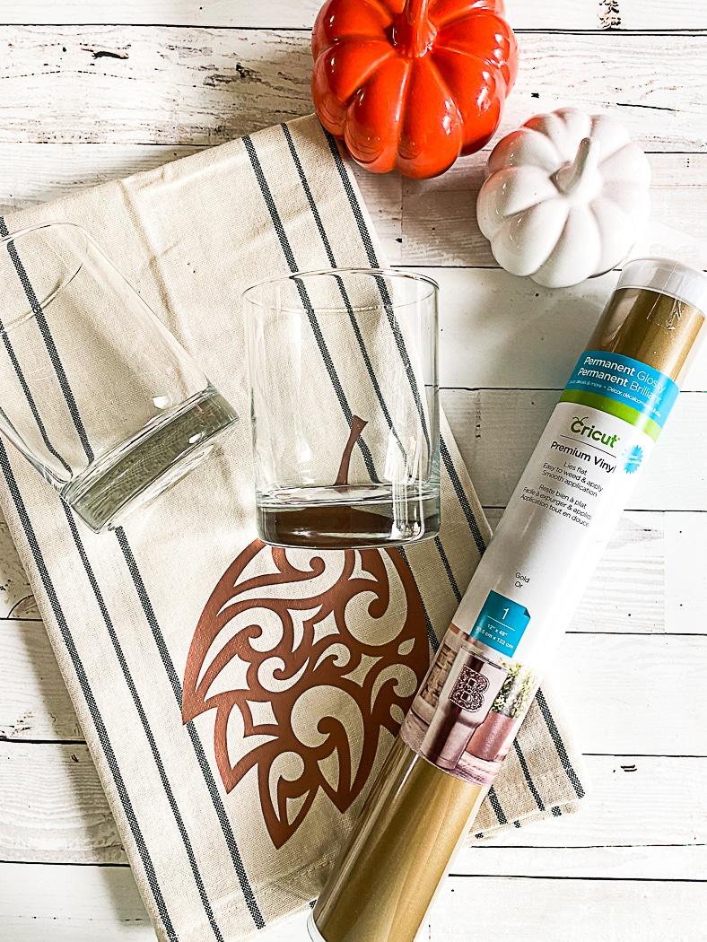 Glasses Cricut Vinyl Tea Towel Pumpkins