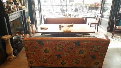 toast-booth-bench-seat-upholstery-repair-restoration-003