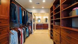 46-Master Closet to Vanity