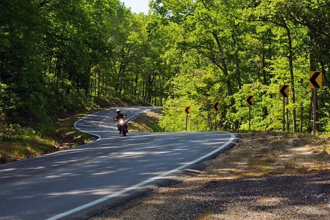 Scenic Highway 19 – Ozark Hellbender Self-Guilded Day Tour. (Motorcycle the Ozarks)