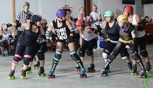Clarksville Brawling Beauties roller derby bout featuring ...