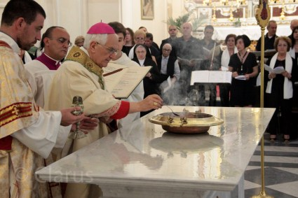 consacrazione-altare-cattedrale-6