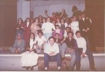 La compagnia teatrale dei giovani della Parrocchia, durante i preparativi dello spettacolo La lupa (1983)