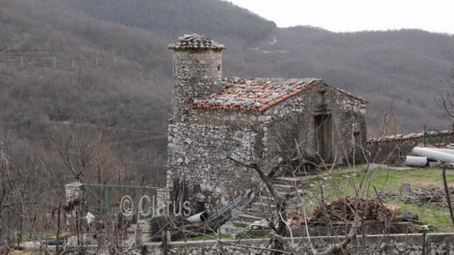 Una costruzione in pietra, tipica di Valle Agricola