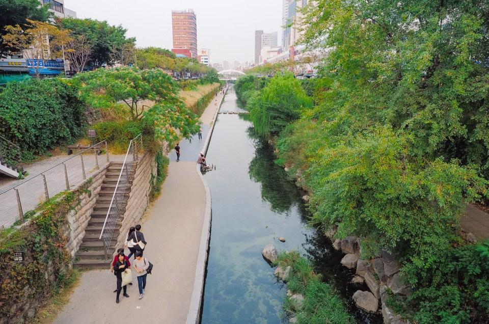 Korea: Seoul, Cheonggyecheon Stream
