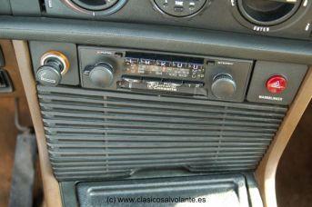 Radiocassette original BMW.