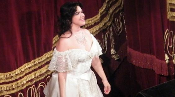 Soprana Irina Iordăchescu susține un spectacol la Ateneul Român