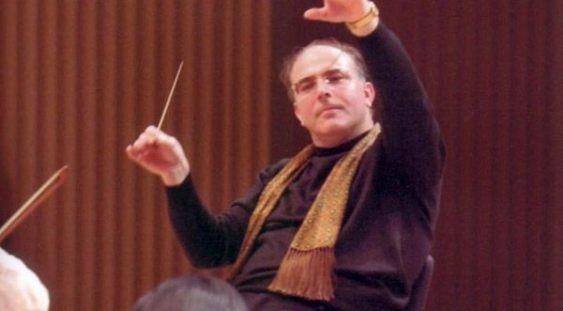 Camil Marinescu la pupitrul Orchestrei Filarmonicii George Enescu
